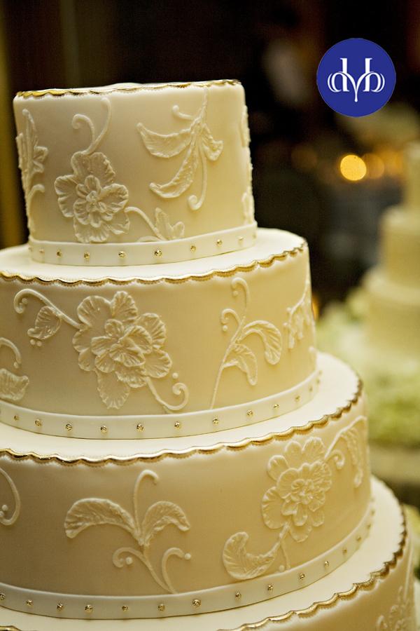 My Weblog/Sugar Seminars: A Couple of October Wedding Cakes